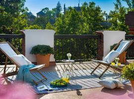 Villa Alfonso, Restored Palace House with gardens and Monuments Views, hotel en Sevilla