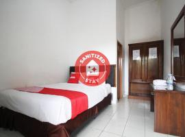 OYO 2014 Wisma Zahra, hotel in Lampung