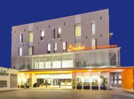 J Hotel - Bandara Soekarno Hatta, hôtel à Tangerang près de: Aéroport international de Jakarta Soekarno-Hatta - CGK