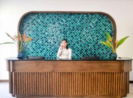 Lavian Hotel, hotel en Ha Long