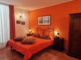 Hotel Neapolis, hotel near Museo e Real Bosco di Capodimonte, Naples