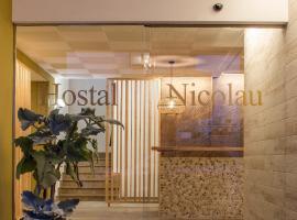 Hostal Residencia Nicolau, hotel di San Antonio