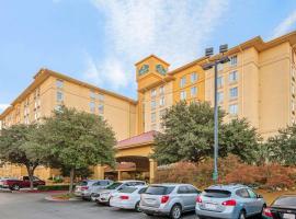 La Quinta by Wyndham San Antonio Airport, hotel in San Antonio