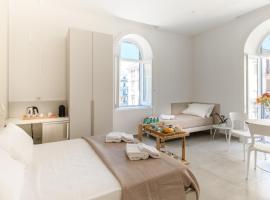 Lux Caracciolo, hotel in Naples