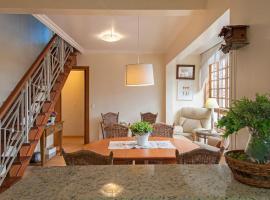 SOLAR 401 - COBERTURA 4 DOR. JUNTO À RUA COBERTA - 12 PESSOAS, apartamento em Gramado