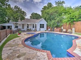 San Antonio House with Private Pool, Spa and Grill, vacation home in San Antonio