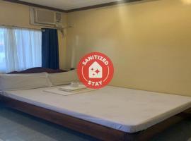 OYO 608 Jack's Dormitory formerly Tres Pension, отель в Пуэрто-Принсеса