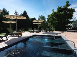 Mercure Aix-les-Bains Domaine de Marlioz Hôtel & Spa, hotel near Chambéry-Savoie Airport - CMF, Aix-les-Bains