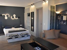 Seaside Studio Meltemi, pet-friendly hotel in Rafina