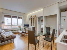 Piso en el centro con bonitas vistas, pet-friendly hotel in Madrid