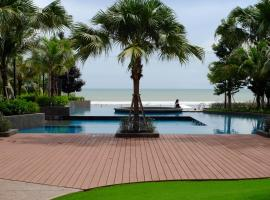 Timur Bay Seafront Residence by DamaiFresh, apartment in Kuantan