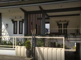 Villa Asri, homestay in Batu