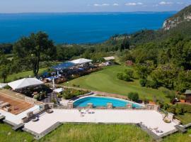 Golf Cà Degli Ulivi, hotel in Costermano