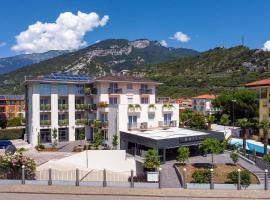 GoTì Hotel, hotel in zona Lago di Ledro, Nago-Torbole