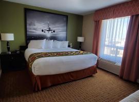 Super 8 by Wyndham Edmonton International Airport, hotel em Leduc