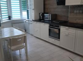 Luxe Trio Appartment, apartment in Anapa