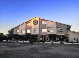 La Canotte, hotel in Saint-Julien-en-Born