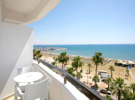 Les Palmiers Beach Boutique Hotel & Luxury Apartments, hotel in Larnaca