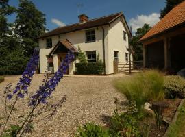 Pine Lodge Studio, hotel near Saint Botolph's Burgh, Ipswich