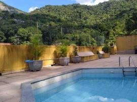 Solar do Rio - Churrasco e Piscina! Bora?, hotel in Rio de Janeiro