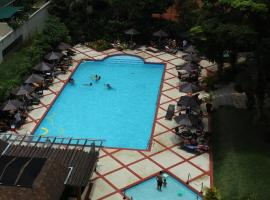 Flat Luxo, hotel with pools in Petrópolis