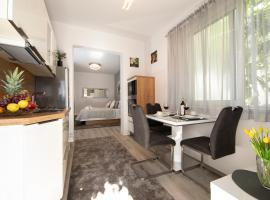 Apartmans Ozrenka, room in Tučepi