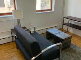 Greenpoint Brooklyn 30 Day Rentals, apartment in Brooklyn