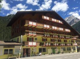 Fedaia Joy B&B, hotel a Canazei
