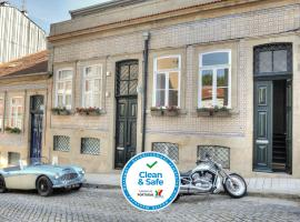 Three Houses & Bedrooms, hotel in Porto
