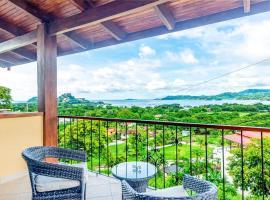 Omega 3 - 2 Bed Condo Overlooking Potrero Bay, hotel in Playa Flamingo
