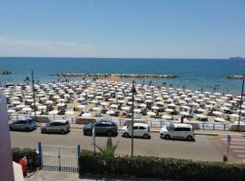 Hotel Tirreno, hotel in Formia