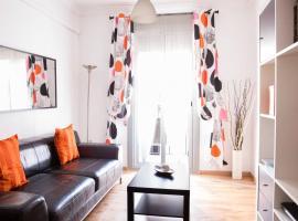 Po Colorful and bright apartment, hotel in Barcelona