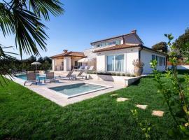 Mirana Luxury Villas, cottage in Kavran