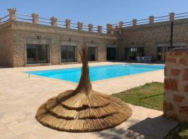 Villa de luxe avec piscine privée sans vis à vis, hotel in zona Aeroporto di Fes-Saiss - FEZ,