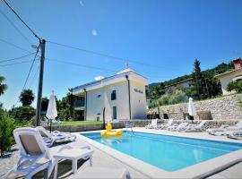 Villa Perla with swimming pool, Lovran - Opatija, hotel with pools in Lovran