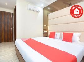 OYO 33389 Hotel 21, hotel near Elante Mall, Manī Mājra