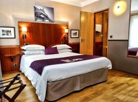 George Sand, hotel near Fragonard Perfume Museum, Paris