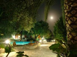Villetta Francesca, hotel with pools in Marina di Camerota