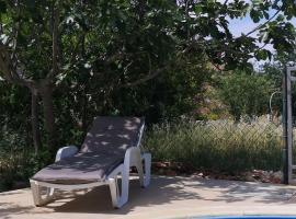 Chillout Apartments with Pool Patricia, Ferienwohnung in Fažana
