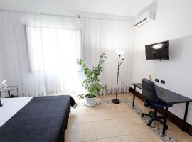 Pegaso, camera con cucina a Catania