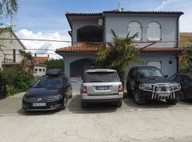 Apartments Miki, apartment in Fažana