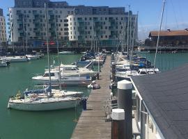 Brighton Marina Floating home, apartment in Brighton & Hove