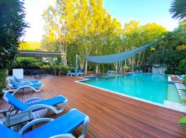Sanctuary Palm Cove, hotel in Palm Cove
