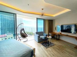 Vievid Panorama Sea View Apartments, hotel in Nha Trang