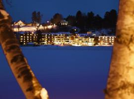 Golden Arrow Lakeside Resort, beach hotel in Lake Placid