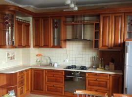 Сдаю 4-х комнатную квартиру со всеми удобствами, accessible hotel in Kaliningrad