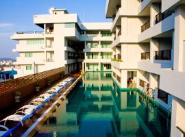 Casa Del M Resort, hotel in Patong Beach