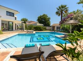 Villa Turquoise, hotel in Aigues-Mortes