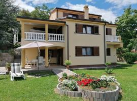 Apartman Lori, pet-friendly hotel in Lovran