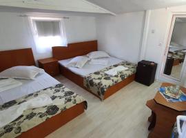 BFamily Minihotel, hotel din Costineşti